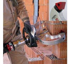Demolator hidraulic portabil pentru caramida 330 DE T6