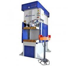 Presa hidraulica tip C de ambutisat cu simplu efect 800 x 600 mm CFS 150