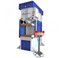 Presa hidraulica tip C de ambutisat cu simplu efect 500 x 500 mm CFS 30